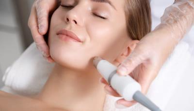顔全体のシミ治療