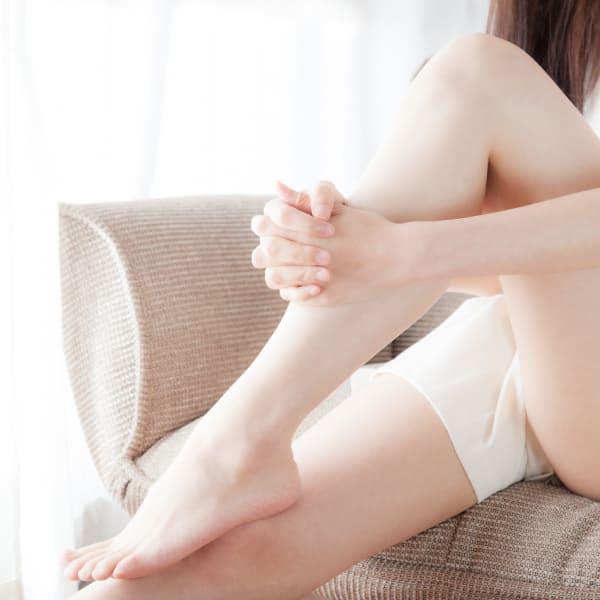 脱毛&ムダ毛事情|剃ると濃くなる?ブツブツやポツポツはどうして?