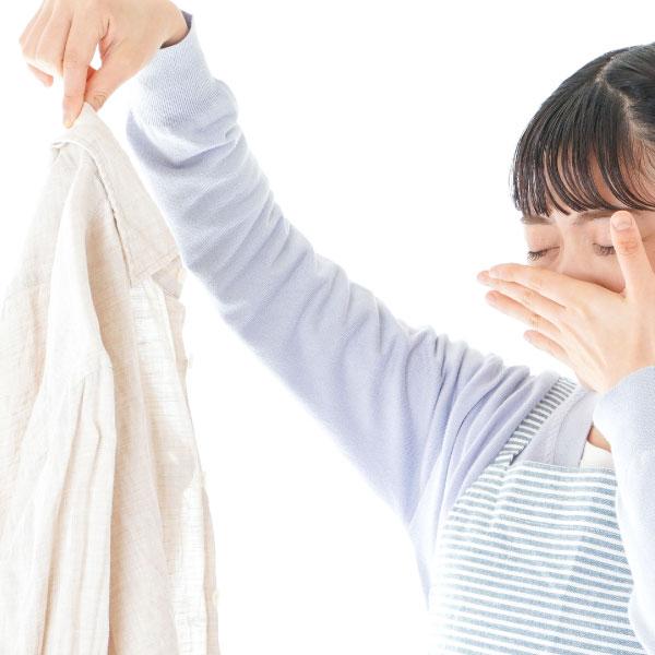 冬のワキガは要注意!衣類に匂いが残る前に