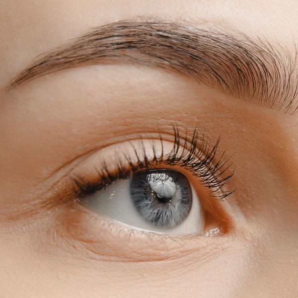 自然で美しい眉毛になれる?話題のアートメイクとは